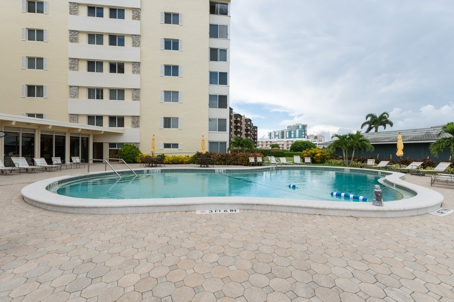 Real Estate Photography - 3410 Gulf Shore Blvd N, 202, Naples, FL, 34103 - Pool