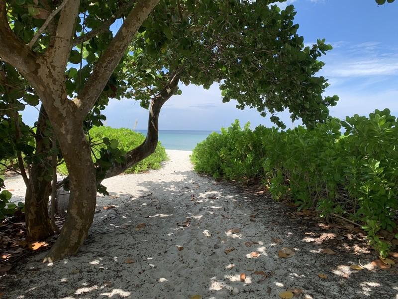 Real Estate Photography - 3410 Gulf Shore Blvd N, 202, Naples, FL, 34103 - Vedado Beach