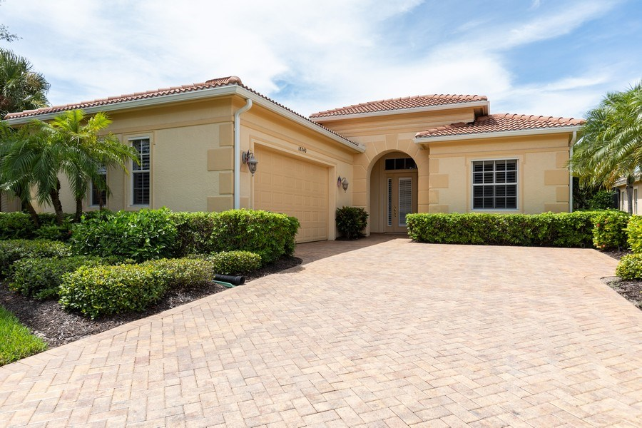 Real Estate Photography - 18240 Parkside Greens Drive, Ft Myers, FL, 33908 - Front View