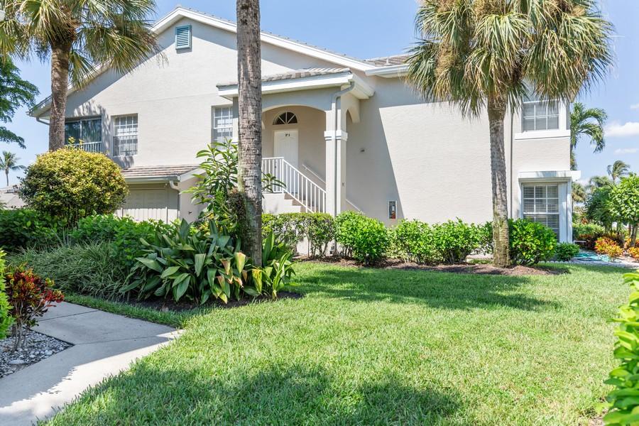 Real Estate Photography - 13141 Hamilton Harbour Drive P-1, Naples, FL, 34110 - Side View