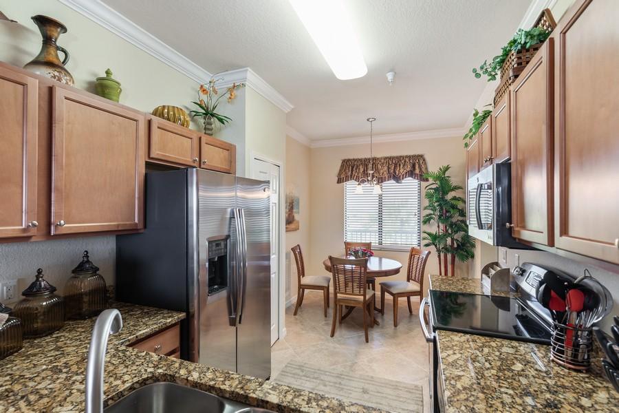 Real Estate Photography - 17921 Bonita National Blvd., 244, Bonita Springs, FL, 34135 - Kitchen