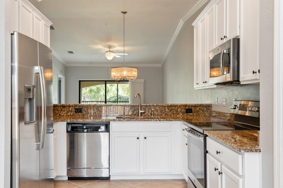 Real Estate Photography - 17980 Bonita National Blvd #1922, Bonita Springs, FL, 34135 - Kitchen
