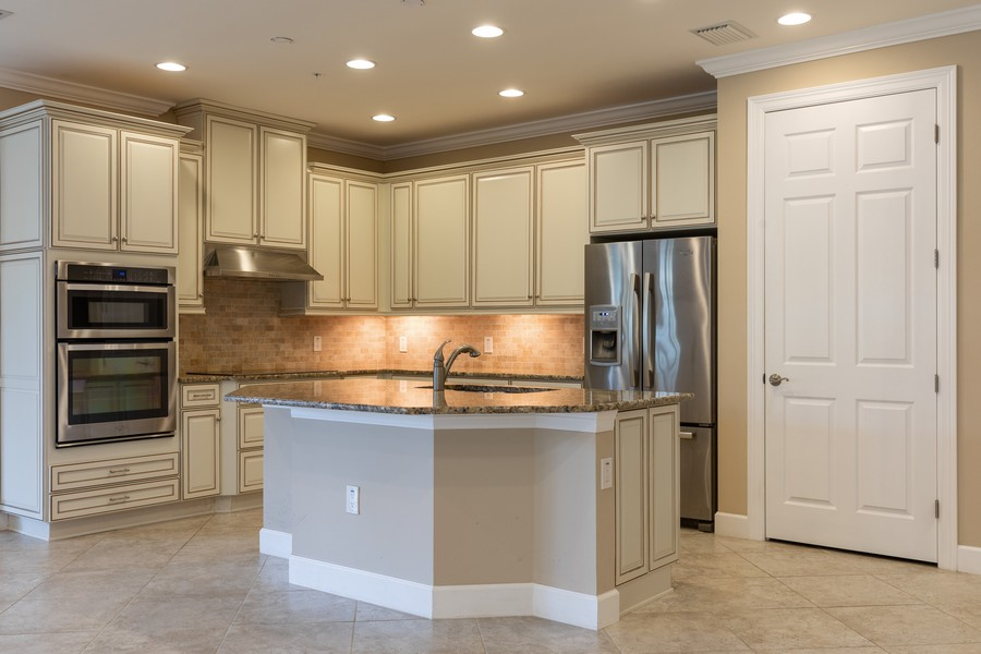Real Estate Photography - 4600 Colony Villa, Unit 1301, Bonita Springs, FL, 34135 - Kitchen