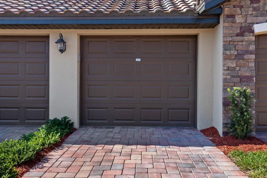 Real Estate Photography - 28022 BRIDGETOWN CT #4825, BONITA SPRINGS, FL, 34135 - Garage