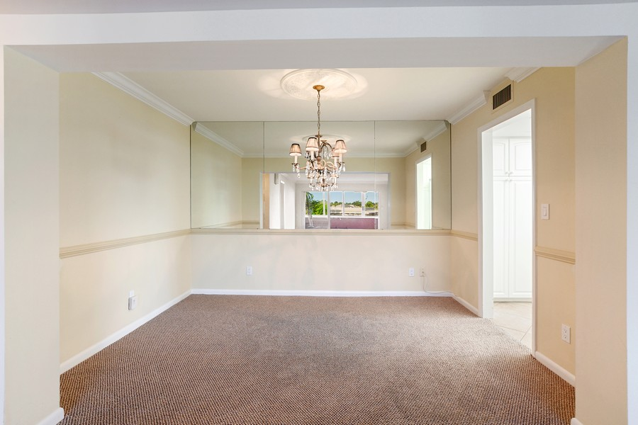Real Estate Photography - 3410 Gulf Shore Blvd N, 301, Naples, FL, 34103 - Dining Room