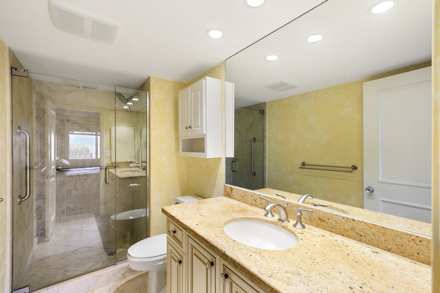 Real Estate Photography - 3410 Gulf Shore Blvd N, 301, Naples, FL, 34103 - Bathroom
