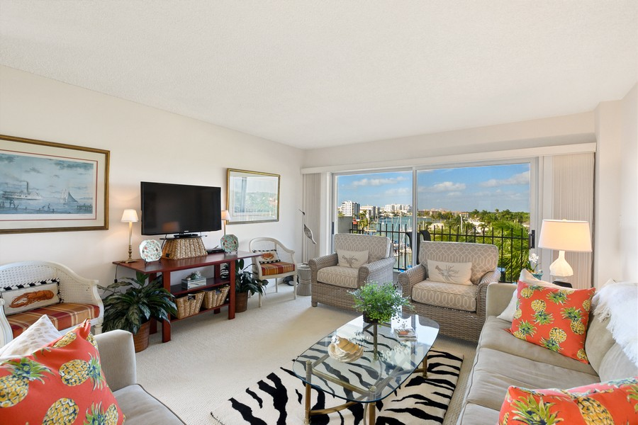 Real Estate Photography - 2150 Gulf Shore Blvd N, 601, Naples, FL, 34102 - Living Room
