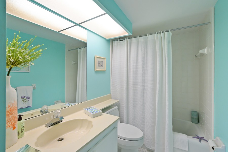 Real Estate Photography - 2150 Gulf Shore Blvd N, 601, Naples, FL, 34102 - Bathroom