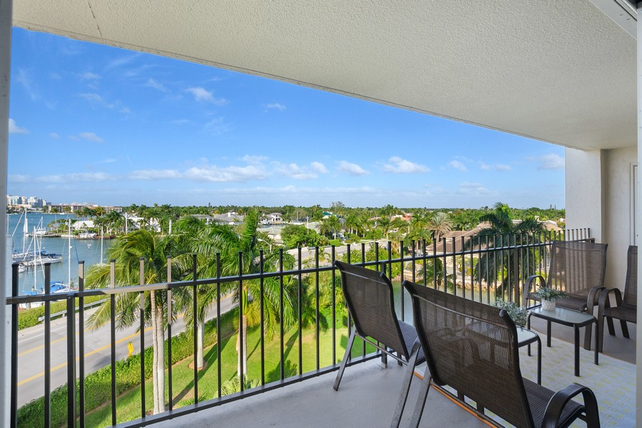 Real Estate Photography - 2150 Gulf Shore Blvd N, 601, Naples, FL, 34102 - Patio