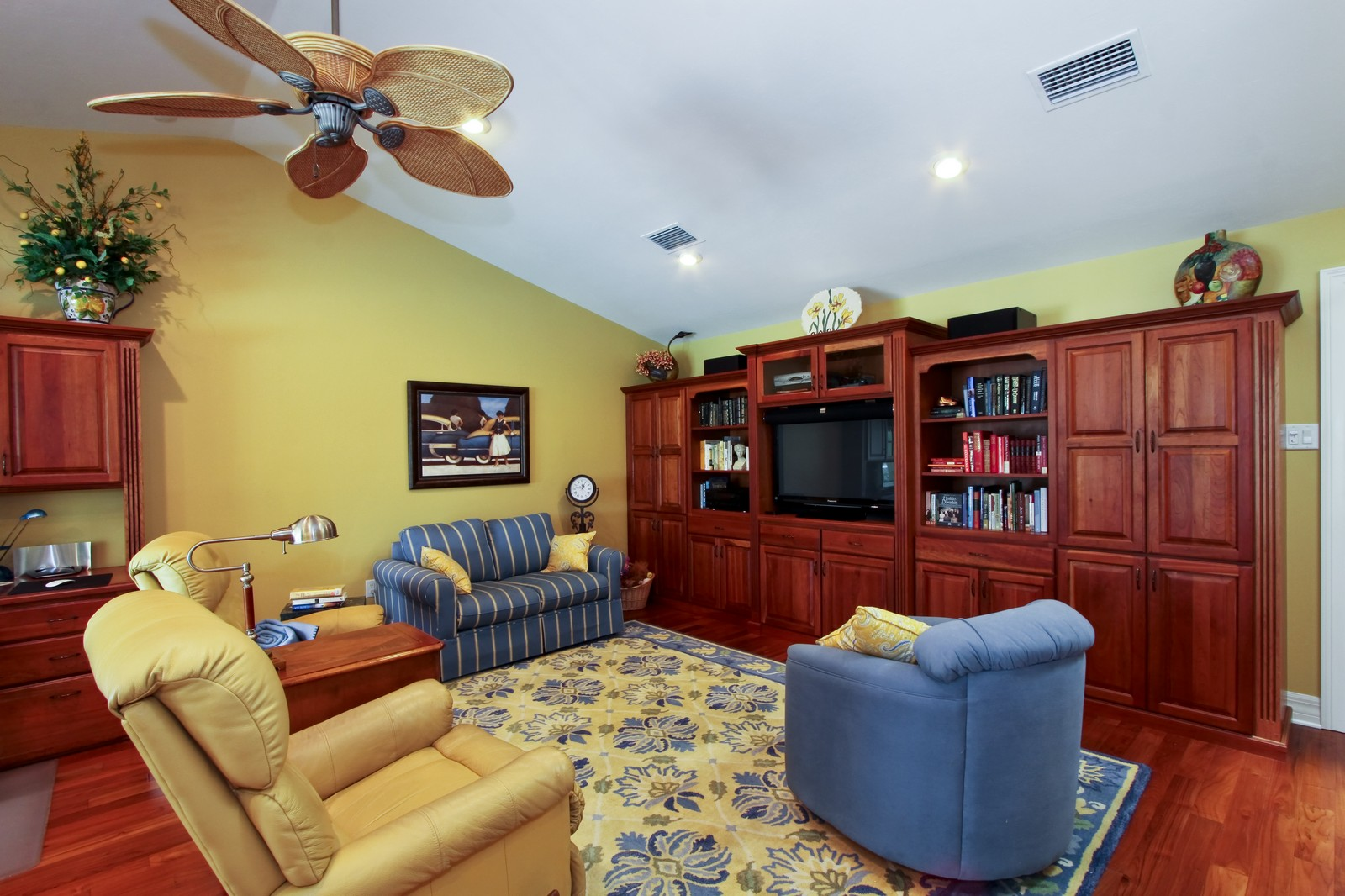 Real Estate Photography - 1986 Imperial GC Blvd, Naples, FL, 34110 - Family Room