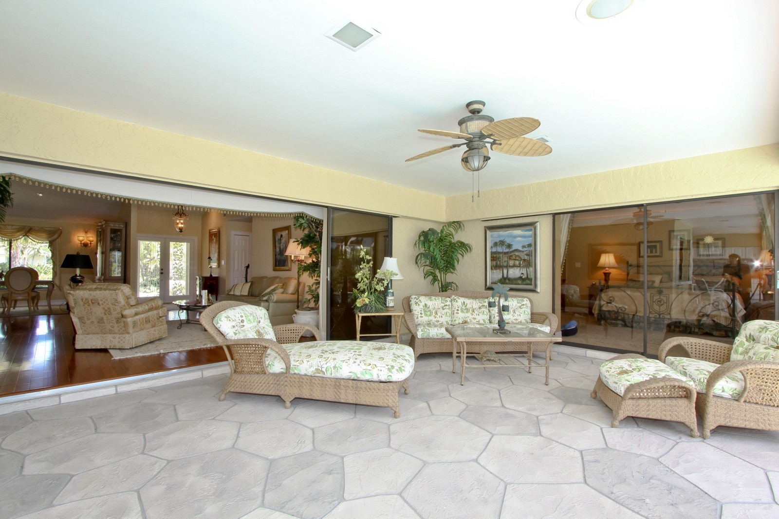 Real Estate Photography - 1986 Imperial GC Blvd, Naples, FL, 34110 - Lanai