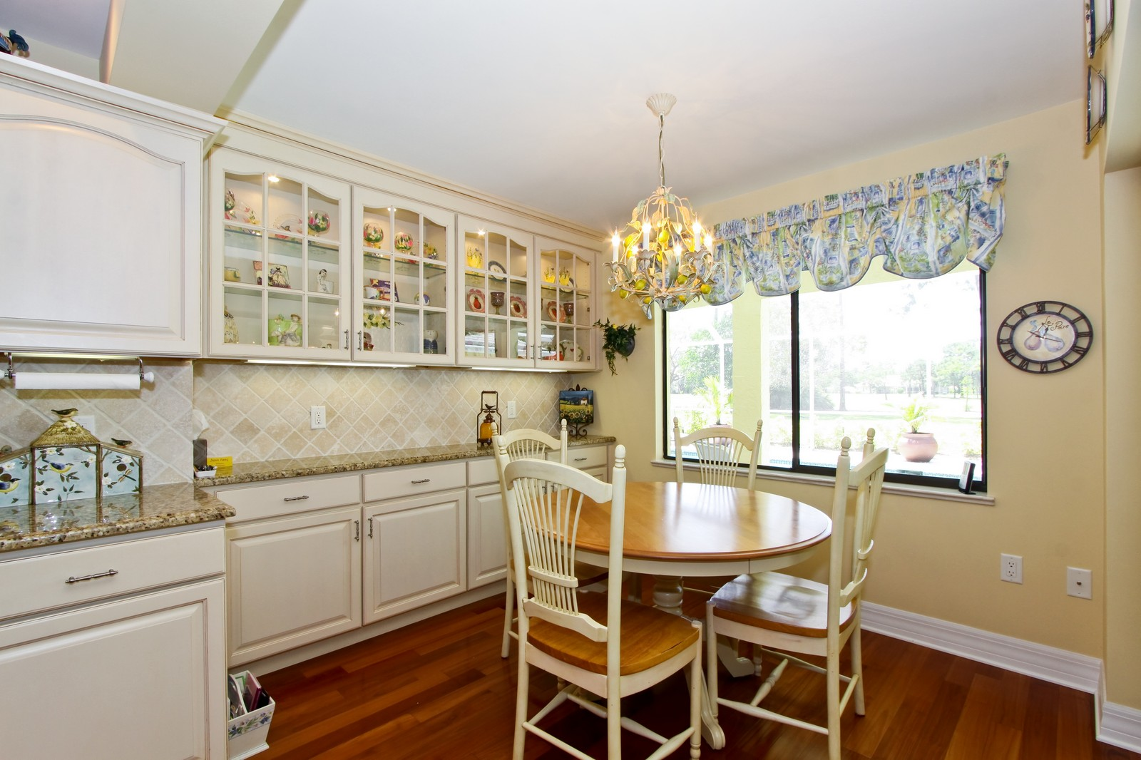 Real Estate Photography - 1986 Imperial GC Blvd, Naples, FL, 34110 - Breakfast Nook