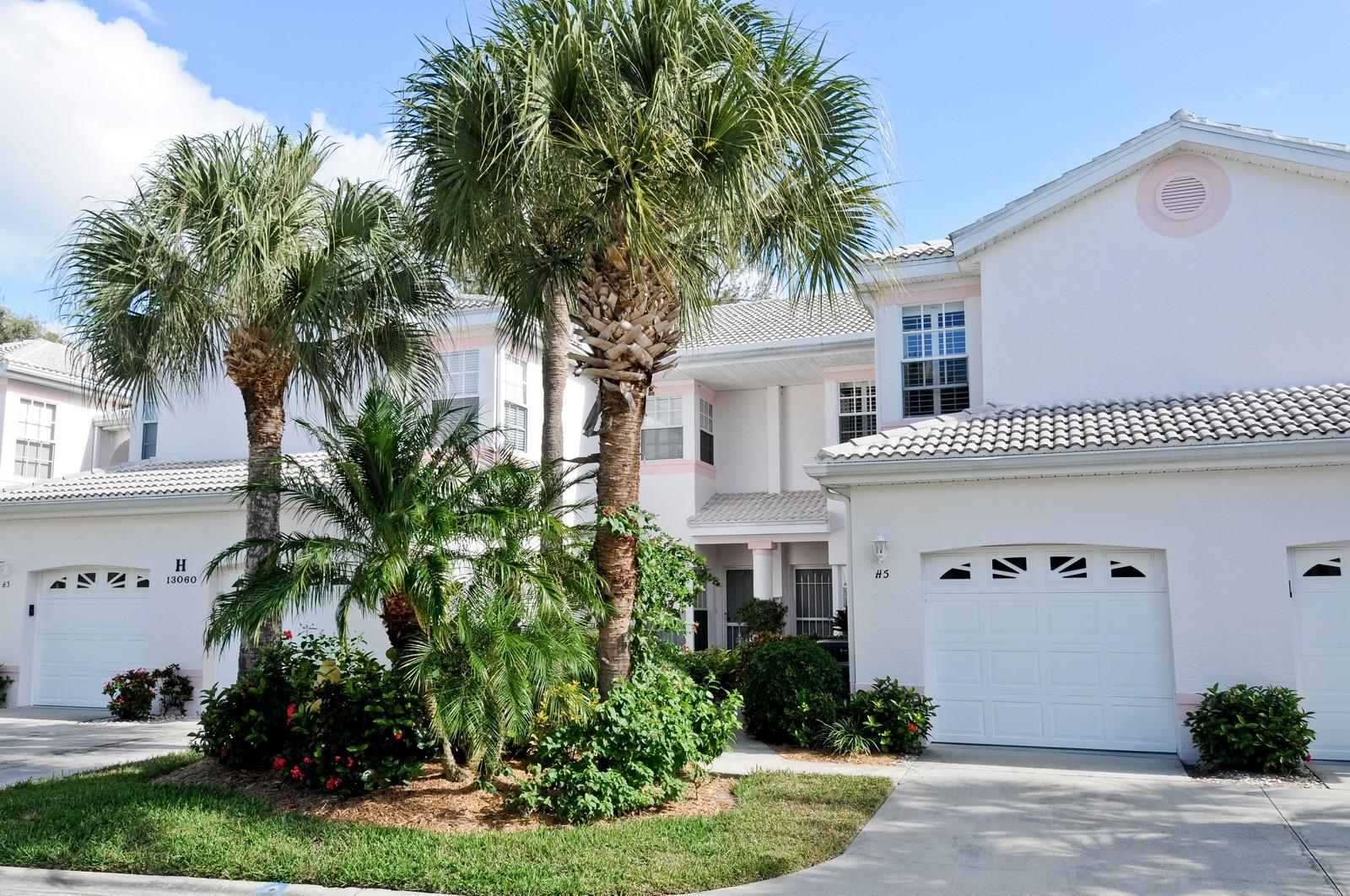Real Estate Photography - 13060 Hamilton Harbour Dr., H-5, Naples, FL, 34110 - Front View
