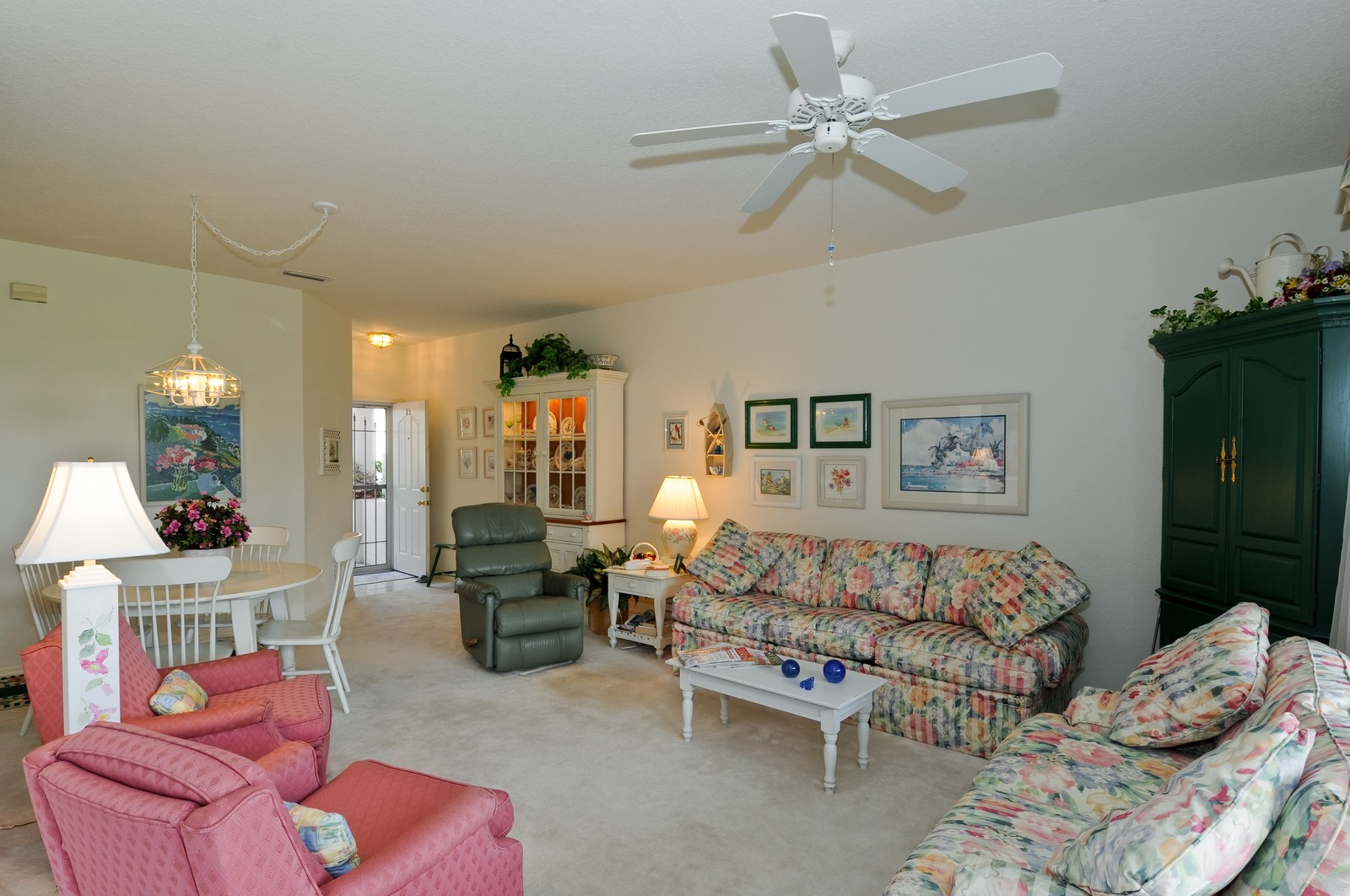 Real Estate Photography - 13060 Hamilton Harbour Dr., H-5, Naples, FL, 34110 - Living Room / Dining Room