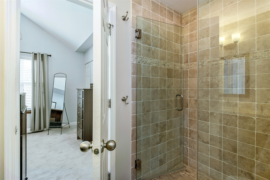 Real Estate Photography - 5404 N Hoyne, Chicago, IL, 60625 - Master Bathroom