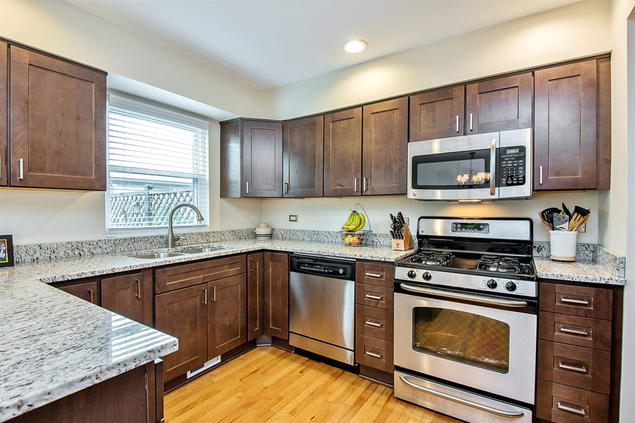 Real Estate Photography - 5404 N Hoyne, Chicago, IL, 60625 - Kitchen