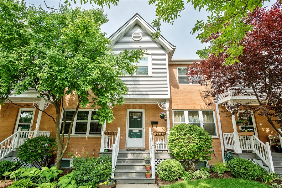 Real Estate Photography - 5404 N Hoyne, Chicago, IL, 60625 - Front View
