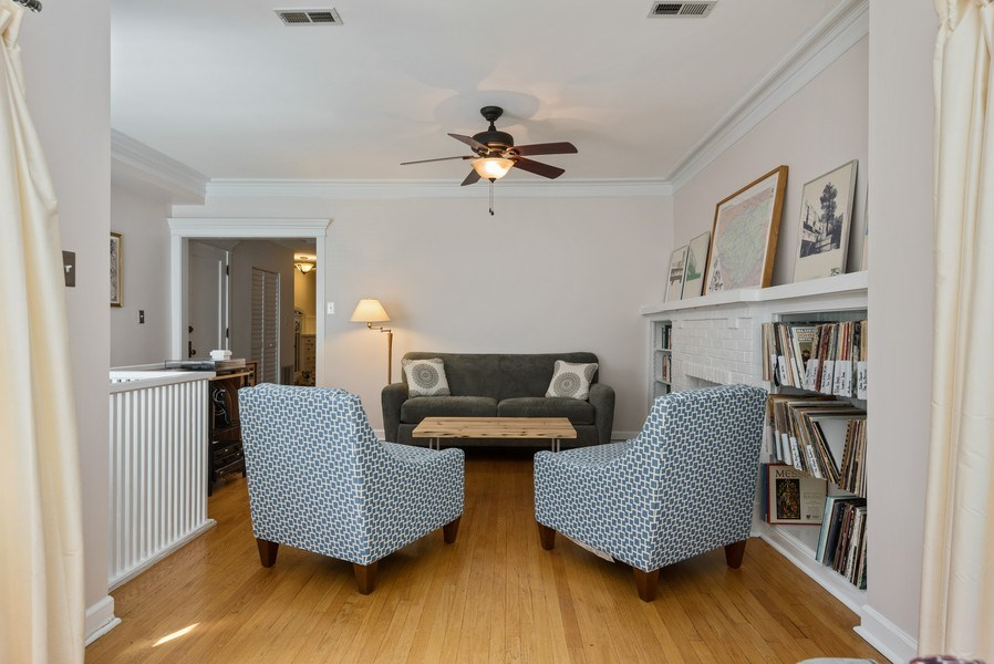 Real Estate Photography - 4822 N Winchester, 1N, Chicago, IL, 60625 - Living Room
