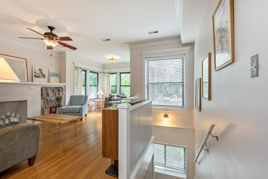 Real Estate Photography - 4822 N Winchester, 1N, Chicago, IL, 60625 - Foyer/Living Room