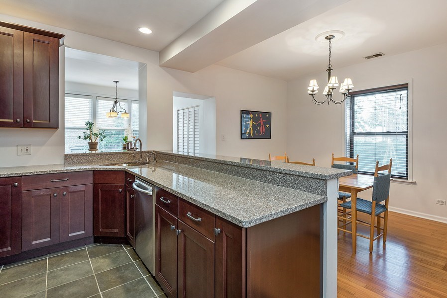 Real Estate Photography - 4822 N Winchester, 1N, Chicago, IL, 60625 - Terrific space to entertain!