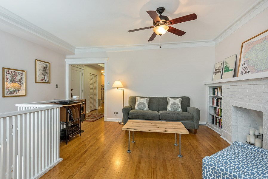 Real Estate Photography - 4822 N Winchester, 1N, Chicago, IL, 60625 -