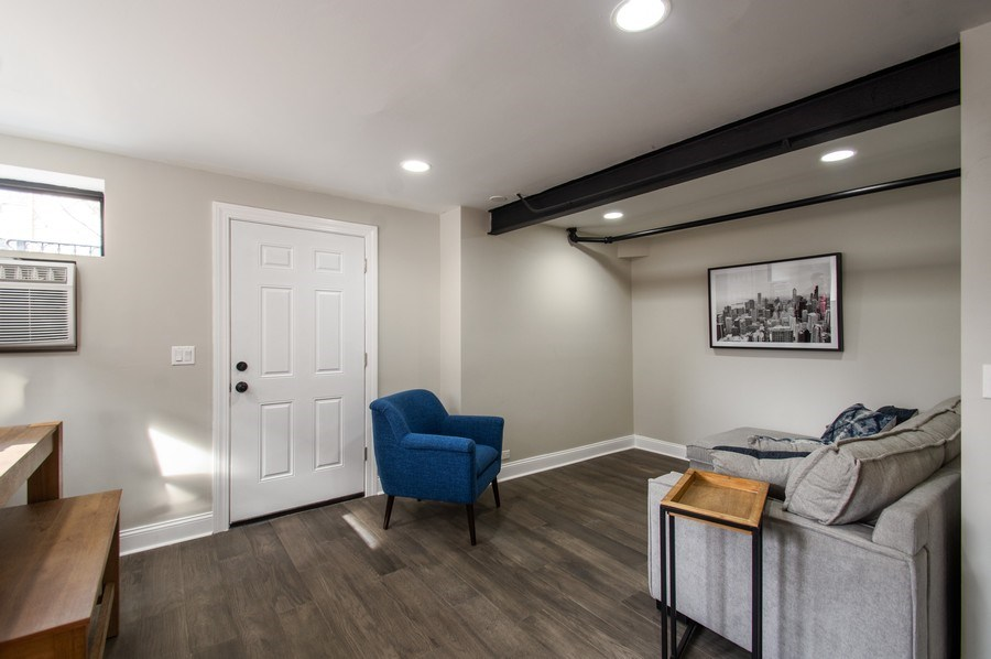 Real Estate Photography - 529 W Surf, 1B, Chicago, IL, 60657 - Living Room
