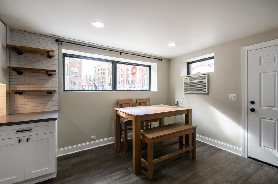 Real Estate Photography - 529 W Surf, 1B, Chicago, IL, 60657 - Dining Area