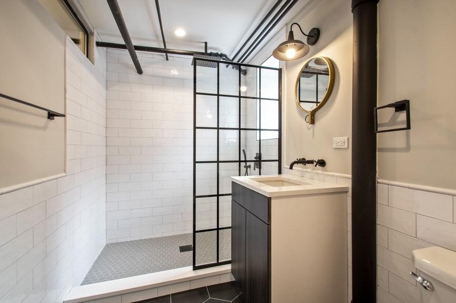 Real Estate Photography - 529 W Surf, 1B, Chicago, IL, 60657 - Bathroom