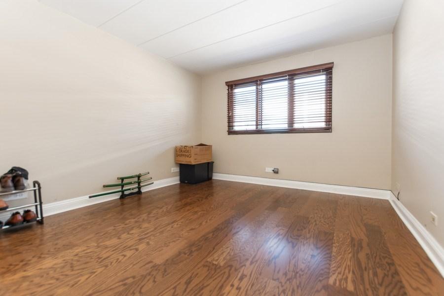 Real Estate Photography - 10213 S Komensky Ave, APT 1G, OAK LAWN, IL, 60453 - 2nd Bedroom