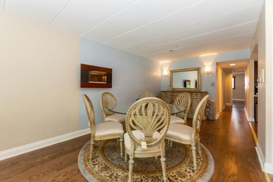Real Estate Photography - 10213 S Komensky Ave, APT 1G, OAK LAWN, IL, 60453 - Dining Room