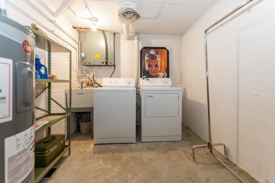 Real Estate Photography - 10213 S Komensky Ave, APT 1G, OAK LAWN, IL, 60453 - Laundry Room