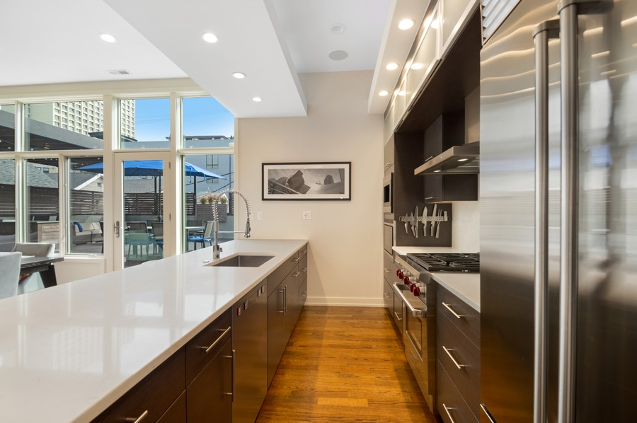 Real Estate Photography - 1113 N Ashland Ave, Unit 3, Chicago, IL, 60622 - Kitchen