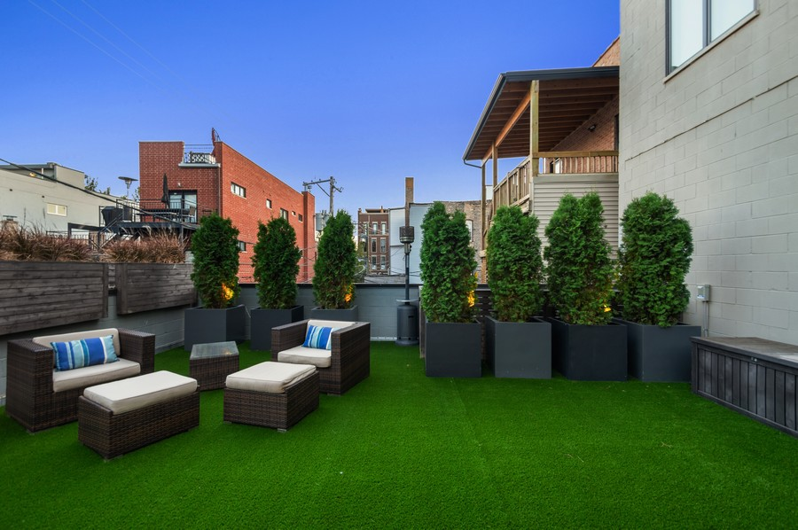 Real Estate Photography - 1113 N Ashland Ave, Unit 3, Chicago, IL, 60622 -