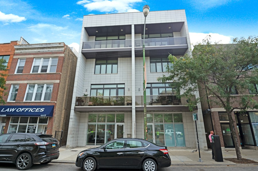 Real Estate Photography - 1113 N Ashland Ave, Unit 3, Chicago, IL, 60622 - Front View
