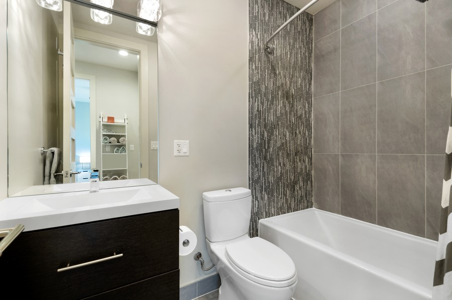 Real Estate Photography - 1113 N Ashland Ave, Unit 3, Chicago, IL, 60622 - 2nd Bathroom