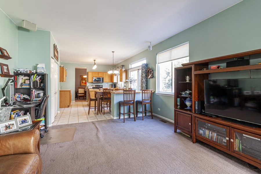 Real Estate Photography - 2021 Lyndhurst, Aurora, IL, 60503 - Family Room