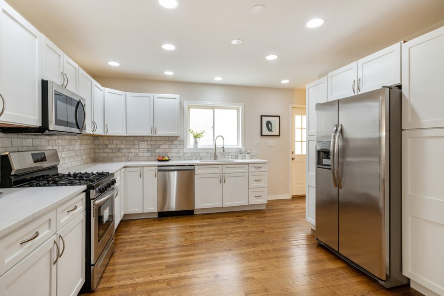 Real Estate Photography - 4408 W Bryn Mawr, Chicago, IL, 60646 - Kitchen