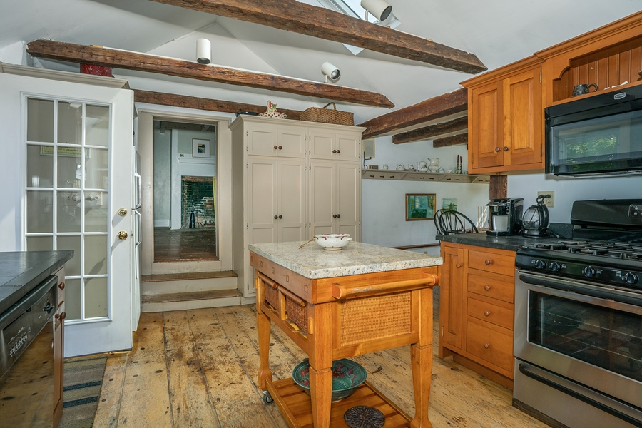 Real Estate Photography - 4096 Main, Cummaquid, MA, 02637 - Kitchen