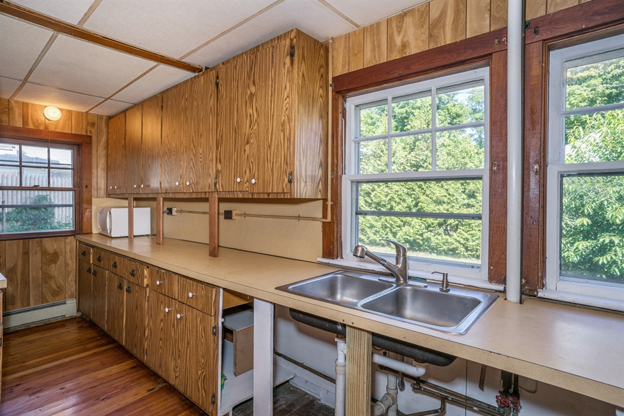 Real Estate Photography - 25 Bayview Avenue, Bourne, MA, 02532 - Kitchen