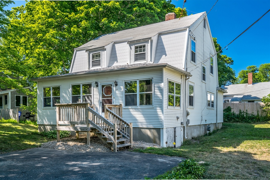 Real Estate Photography - 25 Bayview Avenue, Bourne, MA, 02532 - Front View