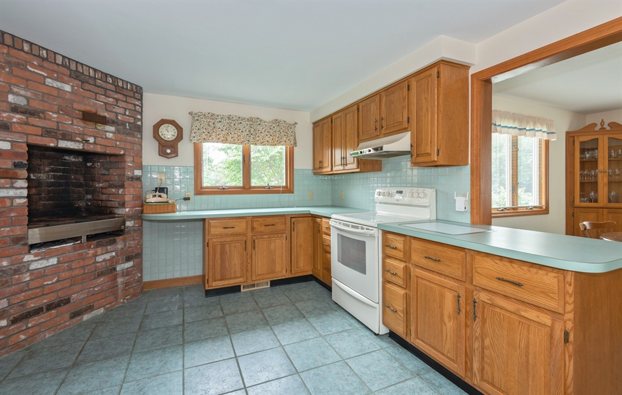 Real Estate Photography - 63 Anchorage Road, North Falmouth, MA, 02556 - Kitchen