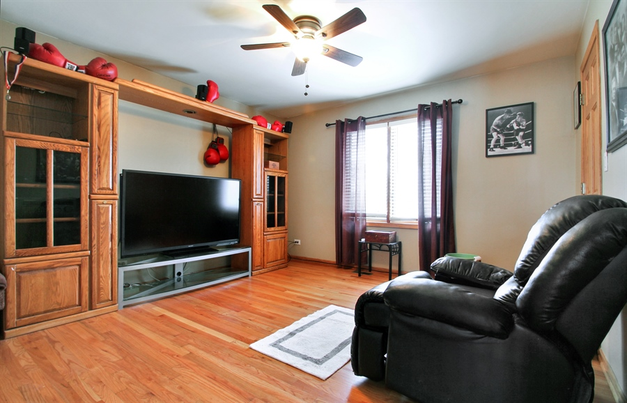 Real Estate Photography - 9140 N Washington St, Niles, IL, 60714 - Bedroom