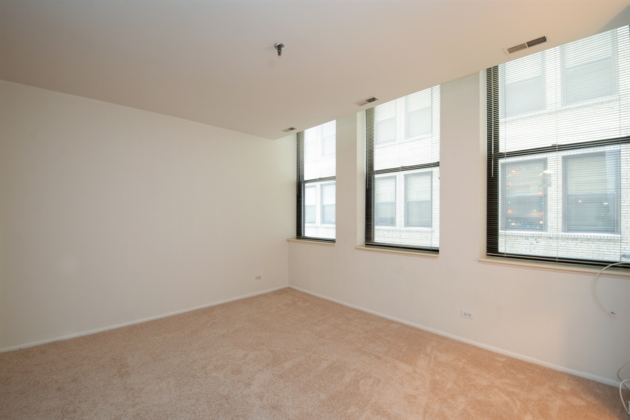 Real Estate Photography - 680 S Federal Street, 504, Chicago, IL, 60605 - Living Room
