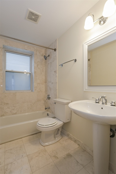 Real Estate Photography - 1428 S. Lunt Avenue, 1N, Chicago, IL, 60626 - Bathroom