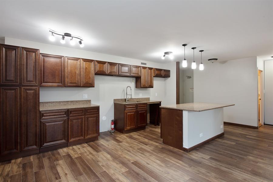 Real Estate Photography - 1360 N Sandburg Terrace, 601, Chicago, IL, 60610 - Kitchen