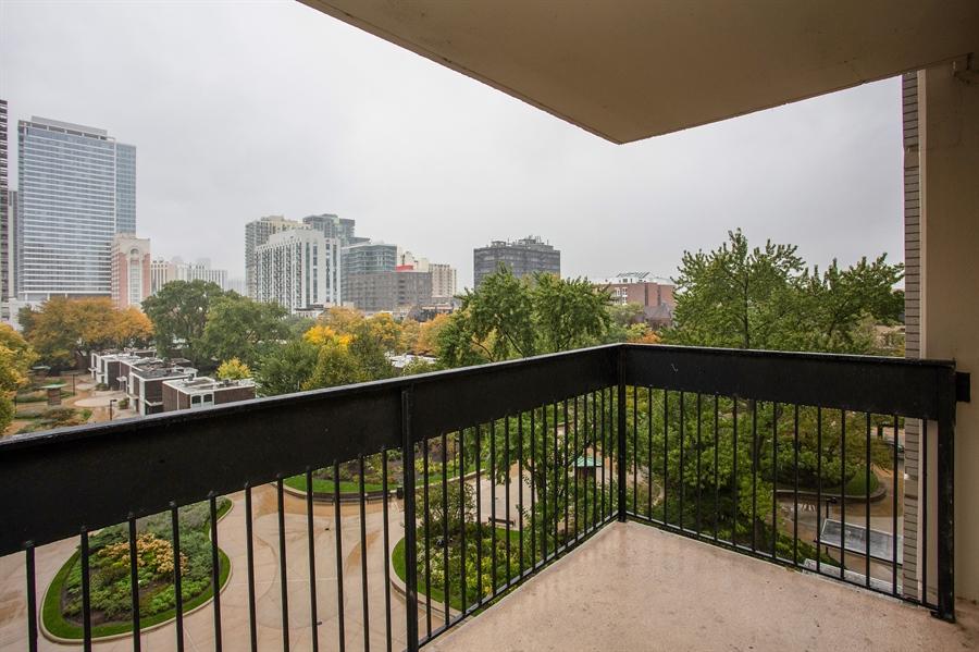 Real Estate Photography - 1360 N Sandburg Terrace, 601, Chicago, IL, 60610 - Balcony