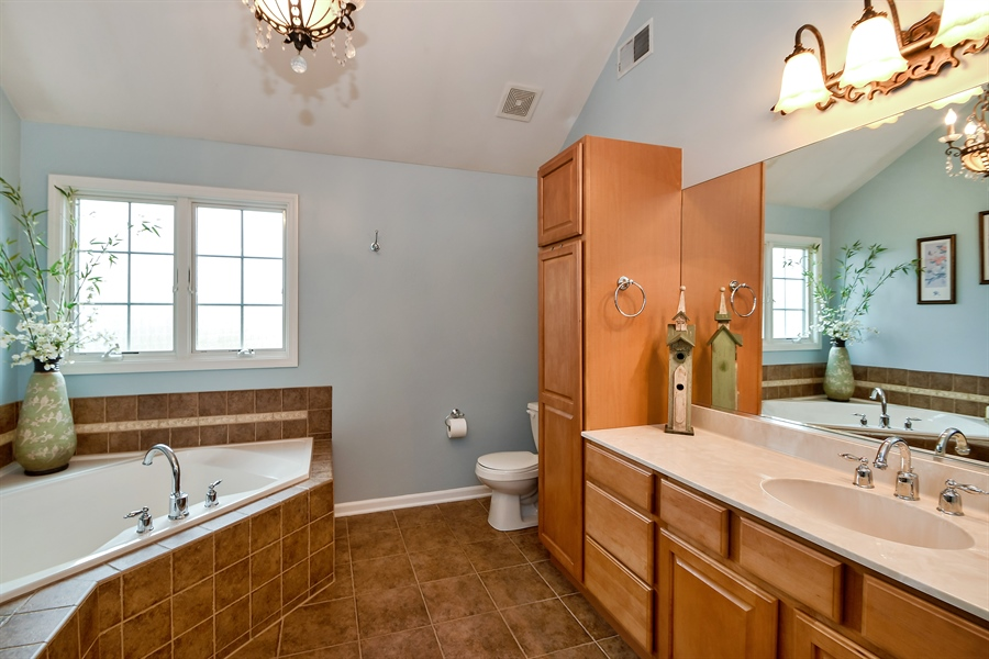 Real Estate Photography - 22761 Stanford Dr, Frankfort, IL, 60423 - Master Bathroom