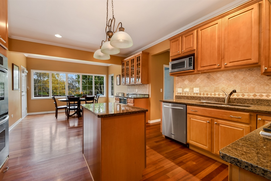 Real Estate Photography - 22761 Stanford Dr, Frankfort, IL, 60423 - Kitchen / Breakfast Room