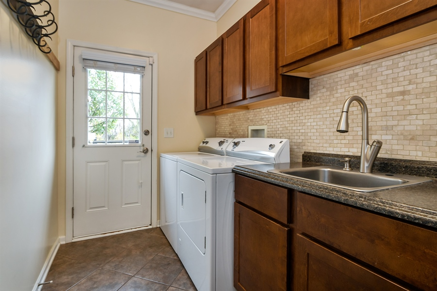 Real Estate Photography - 22761 Stanford Dr, Frankfort, IL, 60423 - Laundry Room