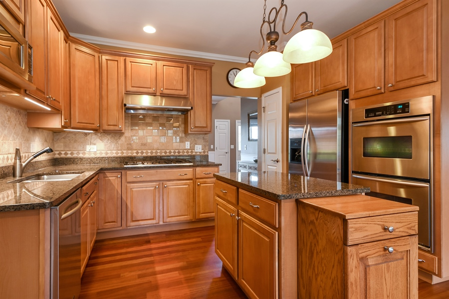 Real Estate Photography - 22761 Stanford Dr, Frankfort, IL, 60423 - Kitchen